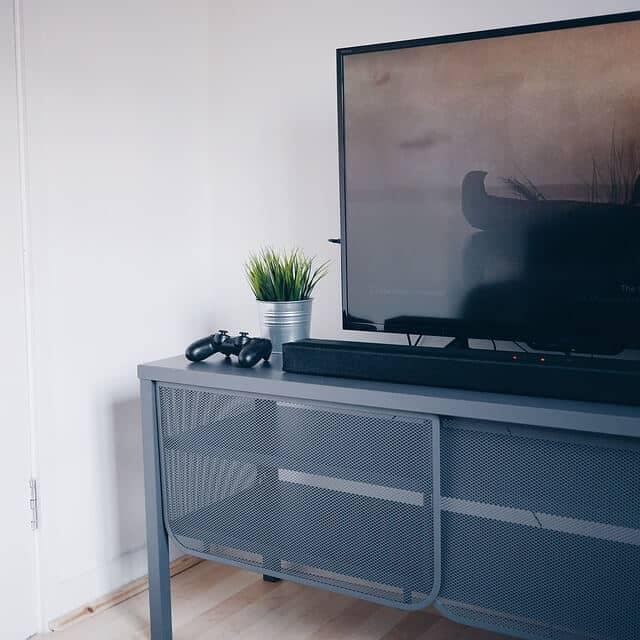 Perbedaan dan Keunggulan TV LED Dibanding TV LCD