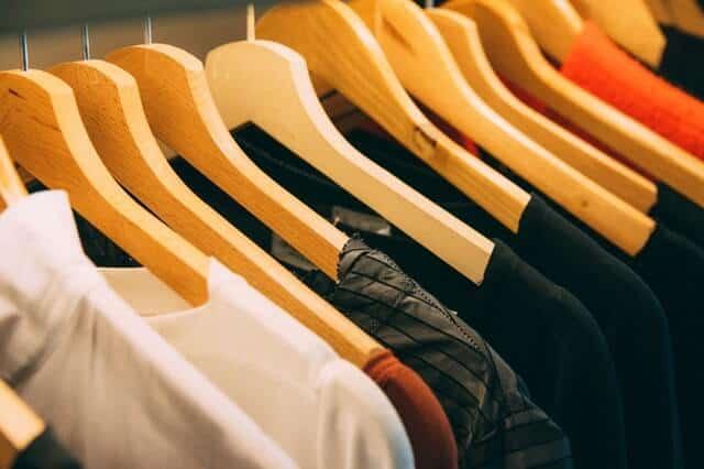 Cara Menghilangkan Noda Tinta di Baju Putih